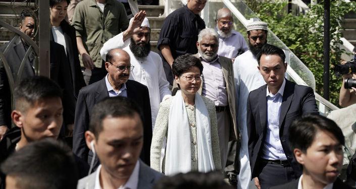 香港政府为水炮殃及清真寺道歉