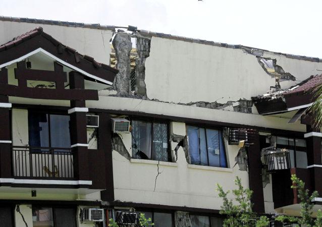菲律宾总统杜特尔特的房屋因地震出现裂缝