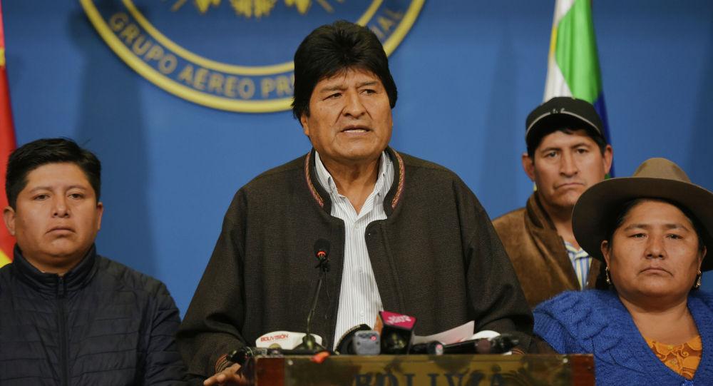 玻利维亚警察局长驳斥对总统发布逮捕令
