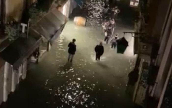 威尼斯遭遇50年罕見洪水