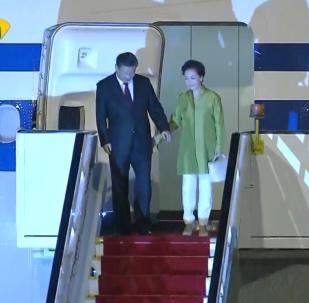习近平抵达巴西出席金砖国家峰会