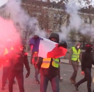 法國「黃馬甲」運動一週年