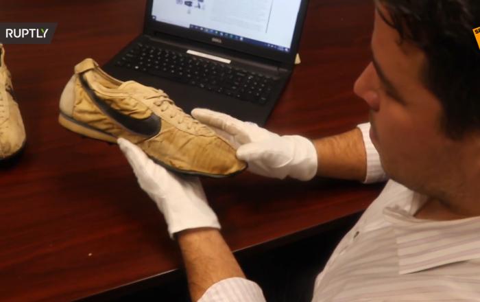 稀有耐克「月球鞋」9萬美元起價拍賣