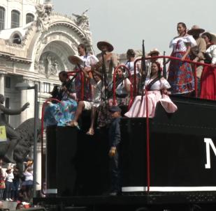 墨西哥革命109週年:街頭舉行豐富多彩的閱兵遊行活動