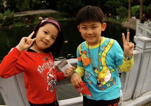 中國兒童的平均身高在最近10年增加了近2公分