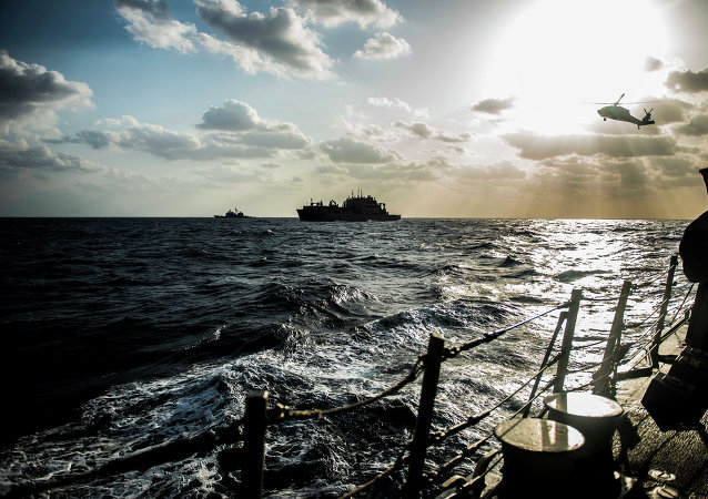 美日韩展开拦截违法船只行动