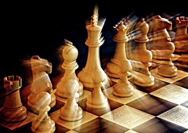 俄罗斯队在俄中国际象棋友谊赛第二轮比赛中不敌中国队