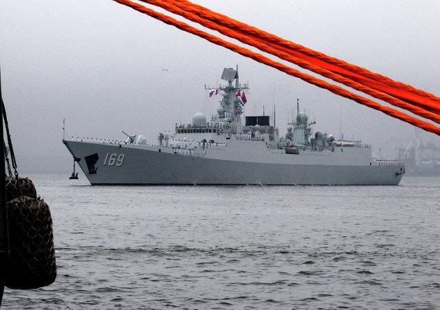 中国和马来西亚启动首次联合军演