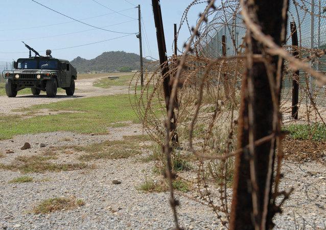 五名以前被关押在关塔那摩的囚犯抵达哈萨克斯坦