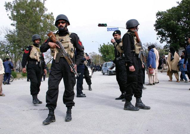 巴基斯坦军方批准判处11名恐怖分子死刑