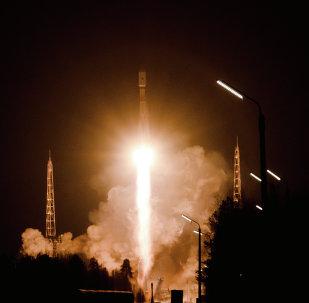 """消息人士:""""格洛纳斯""""导航卫星原定于五月的发射被推迟两周"""