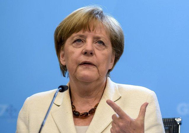 默克尔主张恢复欧盟与美国间的自由贸易谈判
