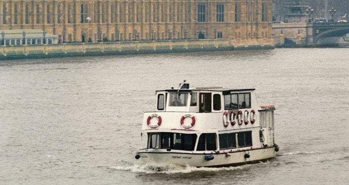 获得英国投资移民签证的中国公民数量一年翻一番