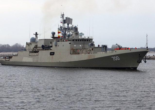 印度政府同国家造船厂签订建造俄罗斯护卫舰的合同