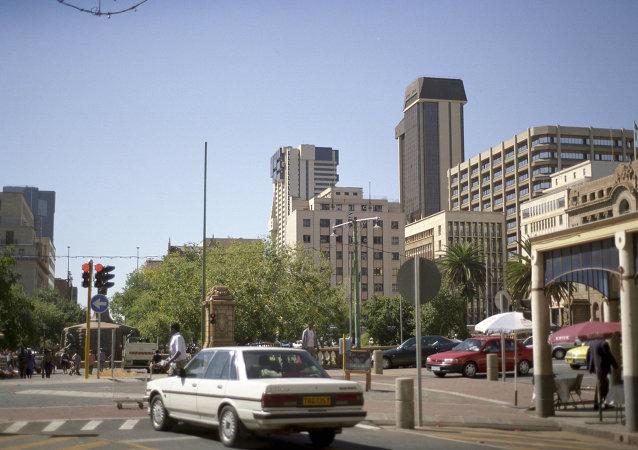 南非首都机场因发现可疑行李箱而瘫痪