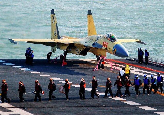 俄專家:J-15失事並不影響中國艦載機的發展