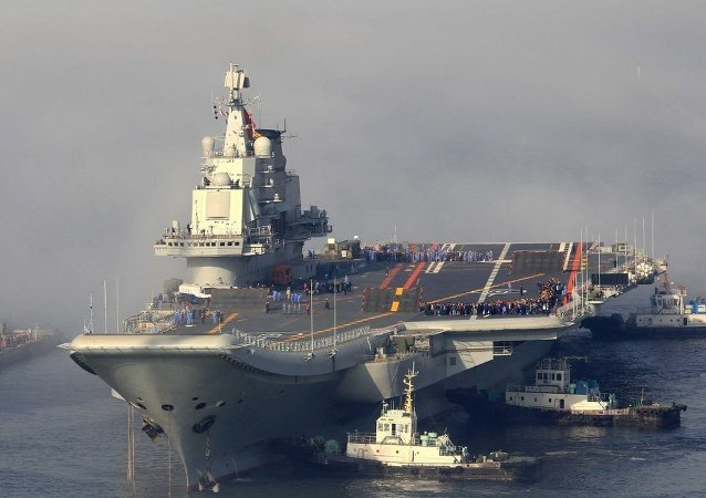 美國軍方代表團訪問中國海軍唯一航母「遼寧艦」