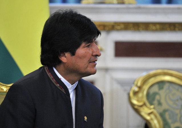 玻利維亞總統莫拉萊斯在古巴治病期間會見卡斯特羅