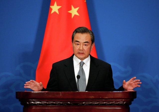 中國外長:中國永遠不會把貿易問題政治化