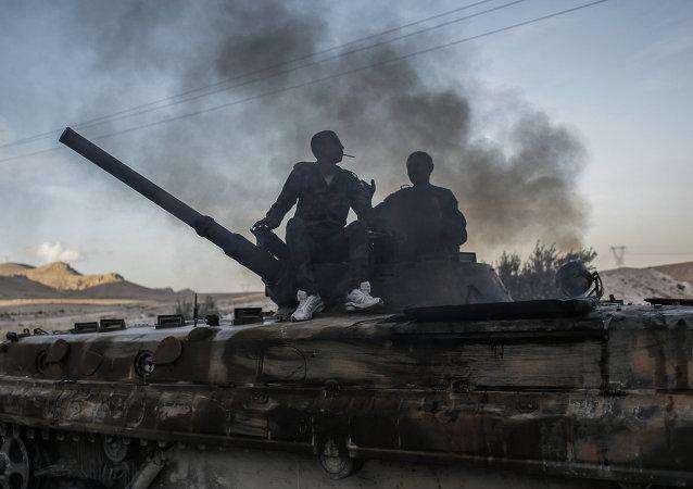 土耳其总理称警告过华俄美两国不要向叙利亚库尔德人提供军事援助