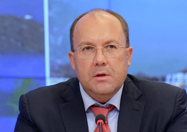 奧列格∙薩福諾夫