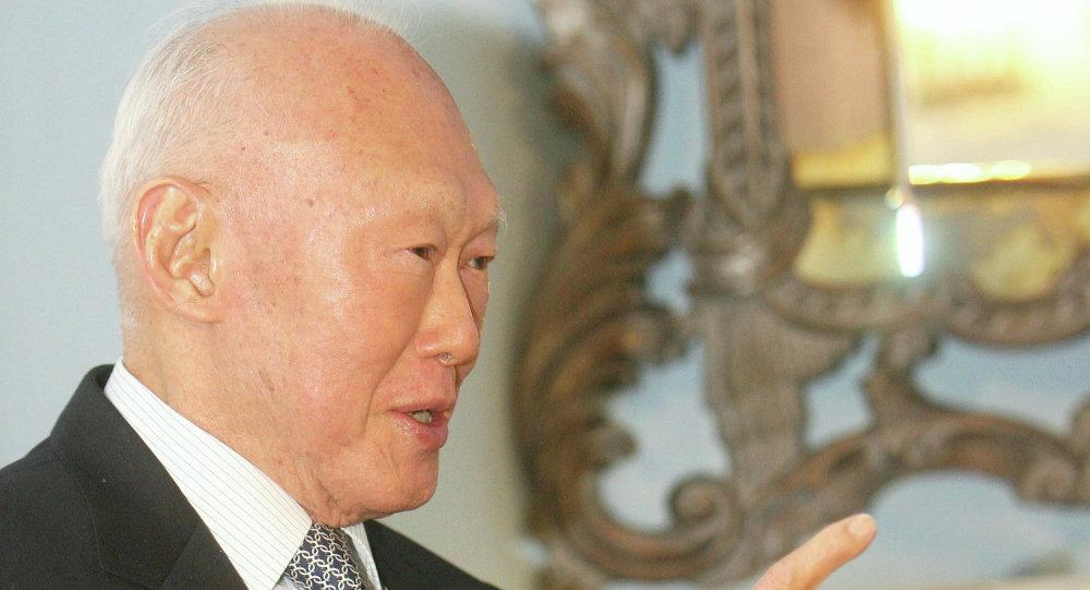 新加坡創始人李光耀雖患肺炎但病情穩定