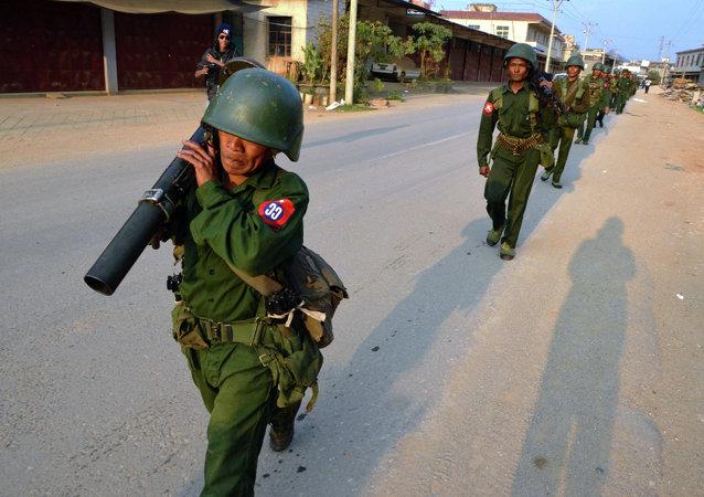 媒體:緬甸政府軍隊及起義軍間戰鬥區擴大