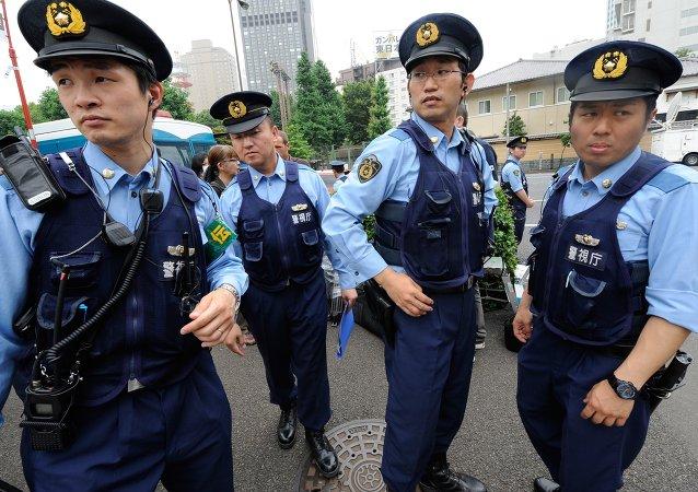 日本一不明身份人士袭击警局 在学校附近开枪