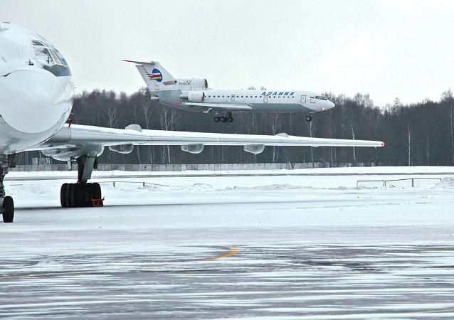 莫斯科機場因降雪取消43趟航班