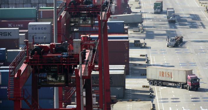 预计2017年满洲里中俄互贸免税区俄商品销售额可超5亿元人民币