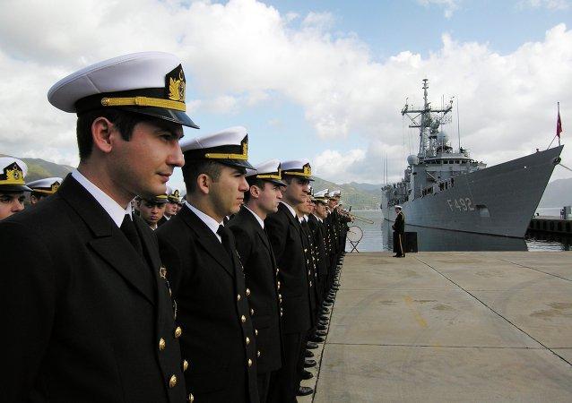 北约舰队与土耳其海军在黑海进行军演(资料图片)