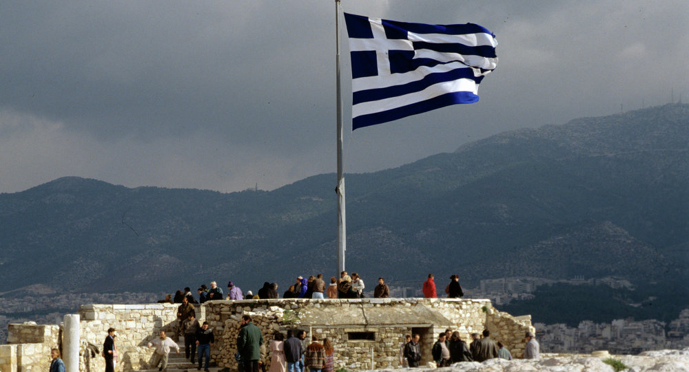 希臘一輛私家車闖入空軍基地