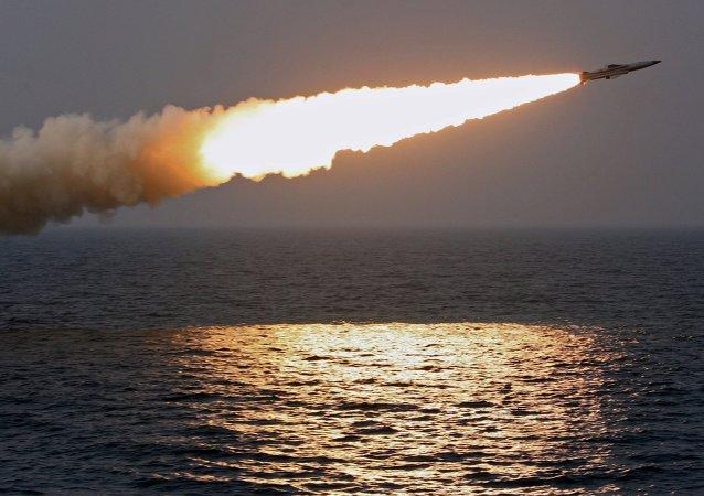 俄太平洋舰队反潜舰在日本海演练歼灭潜艇