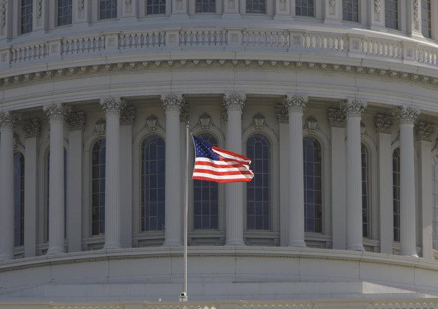 美国政治由近400名寡头决定