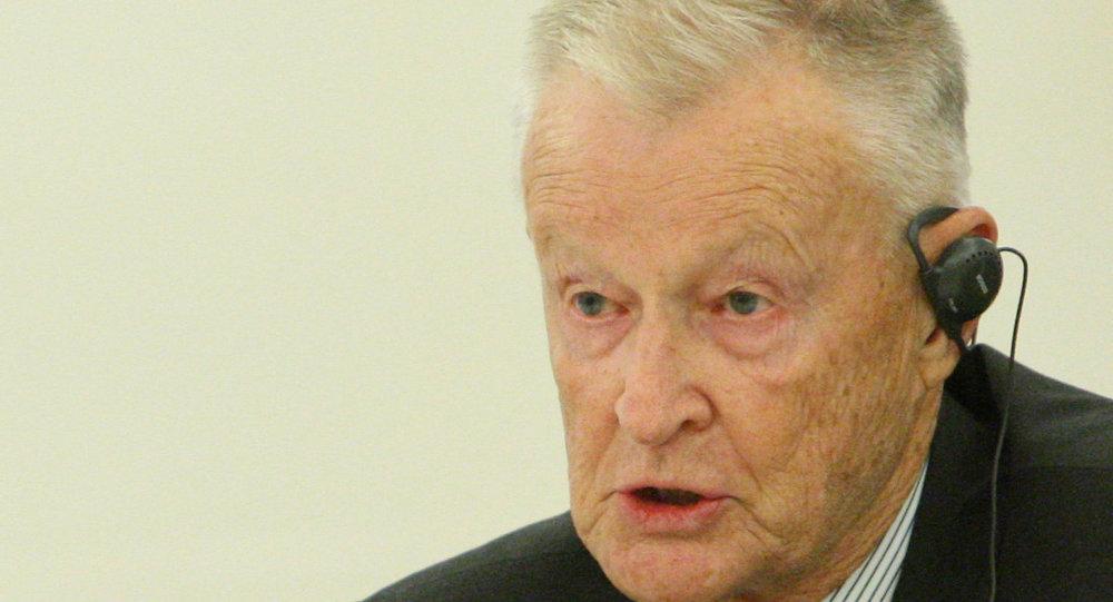 布热津斯基:北约应发出永不接收乌克兰入盟的明确信号