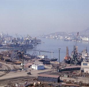 被扣押朝鲜船只抵达纳霍德卡 船员曾袭击俄边防人员