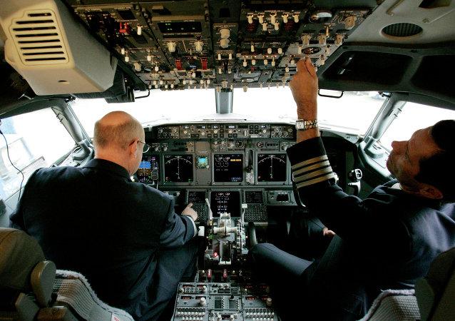 """德国和加拿大颁布客机驾驶舱""""两人制""""新规"""