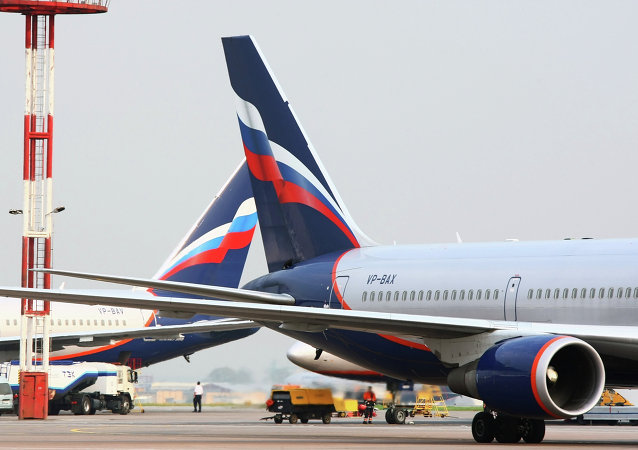 一架莫斯科飞往上海客机迫降俄叶卡捷琳堡
