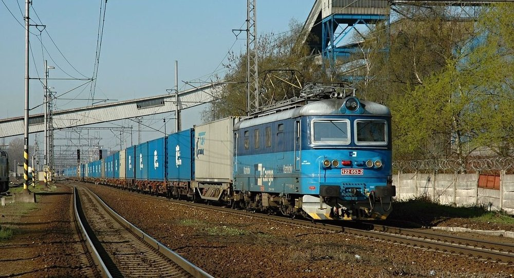 俄最大集装箱运营商开通从中国经加里宁格勒州至欧洲的集装箱列车
