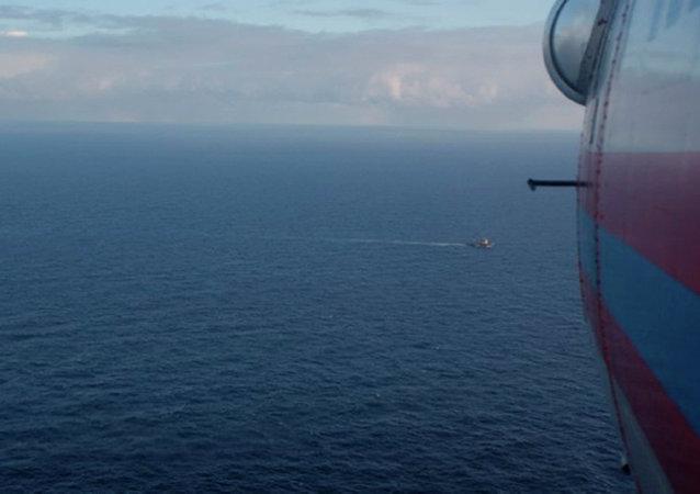 俄侦委:渔船很可能因撞击沉没