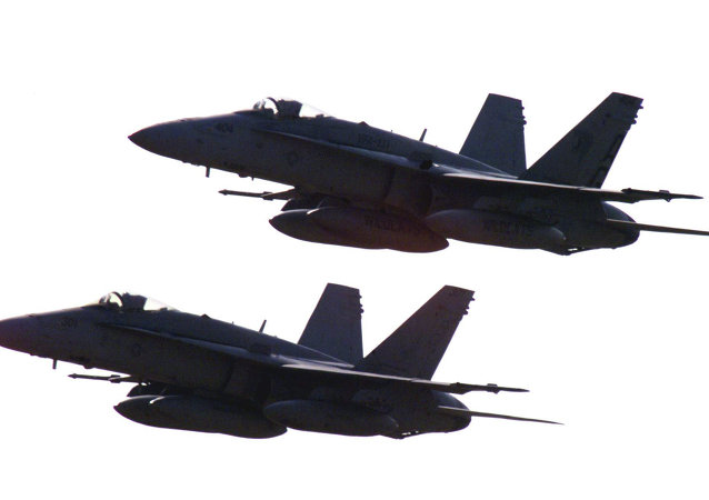 美F-18战斗机