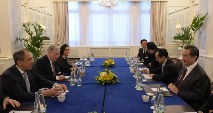 俄外长:伊核问题谈判结果充满希望