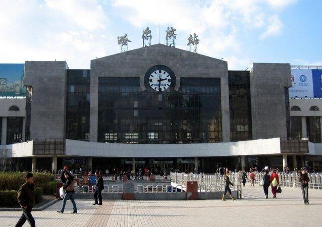 華媒:俄籍男子在哈爾濱大學校園猥褻女子被遣送出境