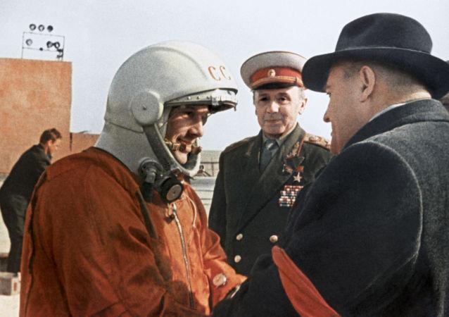 科羅廖夫與加加林