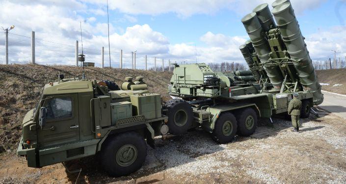 俄S-400系統憑借新型防空導彈將能毀傷400公里內的目標