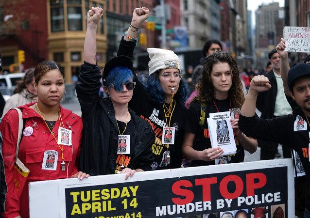 纽约市向警察扼喉致死的非裔美国人家属赔付近6百万美元