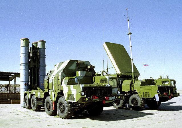 大約有10個國家正在與俄羅斯就購買S-300和S-400系統進行談判