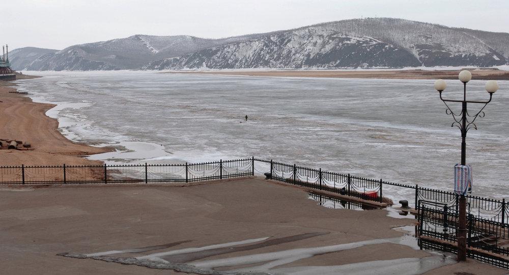 梅德韋傑夫下令採取措施開始俄羅斯至中國橋梁俄方部分建設