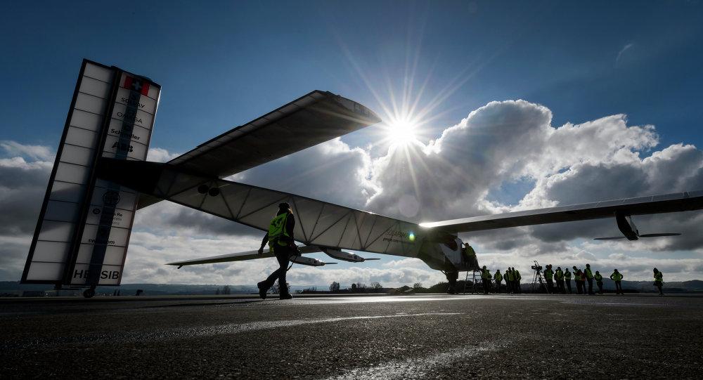「陽光動力2號」離開重慶飛往南京/資料圖片/