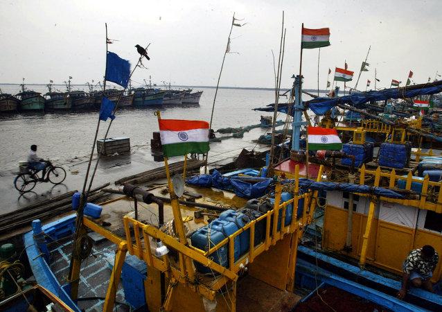 俄罗斯军人将帮助印度潜水员进行准备